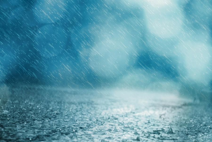 Hurricane Lane downgrades, yet flooding remains a risk